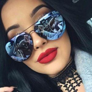 Quay muse aviator sunglasses black/purple mirror